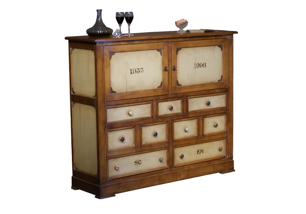 Latitude d co des meubles et objets qui racontent une for Meuble bar exotique