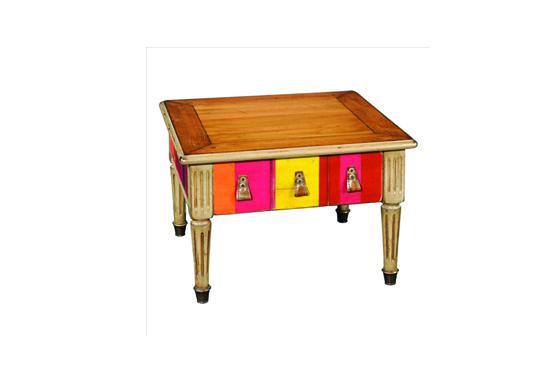 Latitude d co des meubles et objets qui racontent une for Petit canape bas
